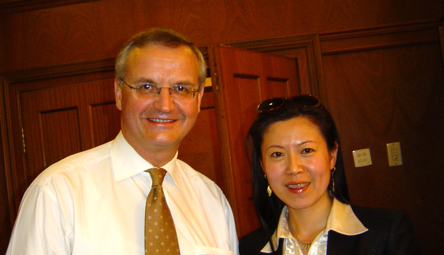 "<strong><span style=""font-size:14px;"">Mr. Lambert van Nistelrooij</span></strong><strong><span style=""font-size:14px;""></span></strong>,<strong>MEPs and&nbsp; Chairwoman Gao of EAcham</strong><br />"